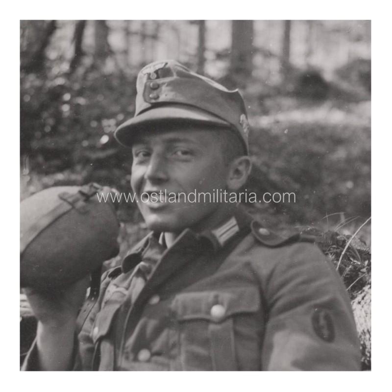97. Jäger-Division soldier photo (division cap badge) Germany 1933–1945