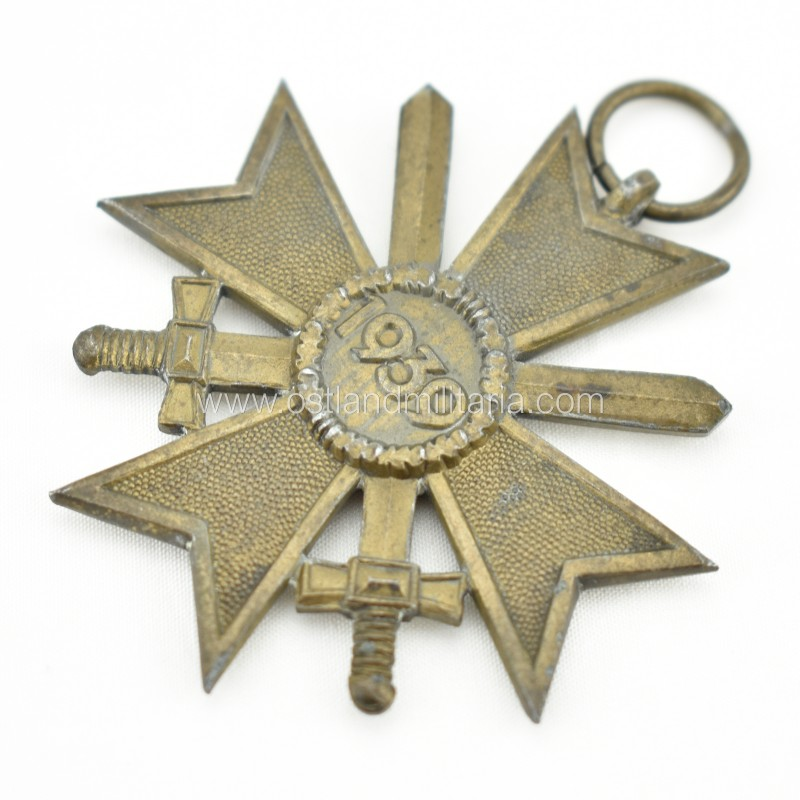 War Merit Cross 2nd class with swords, with issue packet. S&L Germany 1933–1945