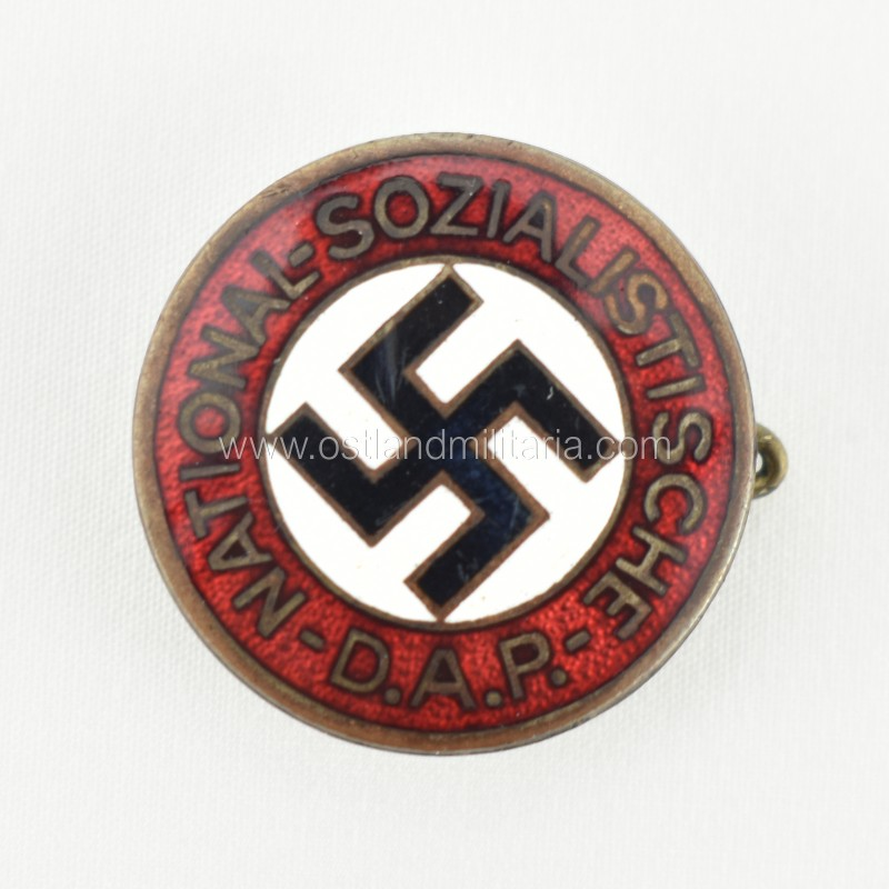 Early issue NSDAP badge GES. GESCH. Germany 1933–1945