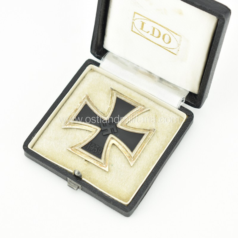 Cased Iron Cross 1st class, unmarked K&Q Germany 1933–1945