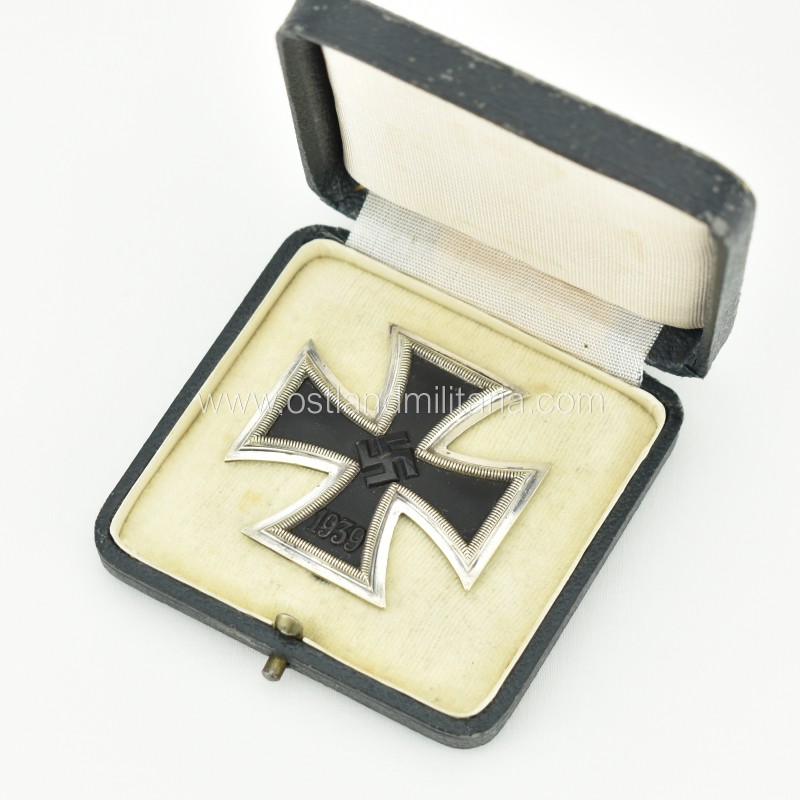Cased Iron Cross 1st class by K&Q, early variant green case Germany 1933–1945