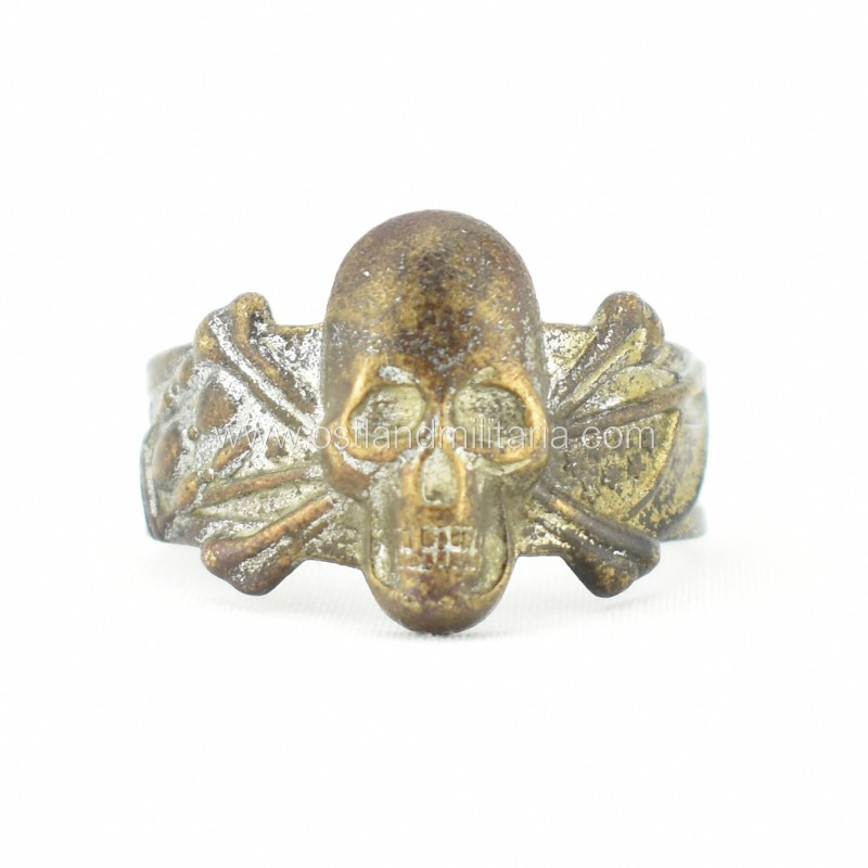 Ring with skull and crossbones Germany