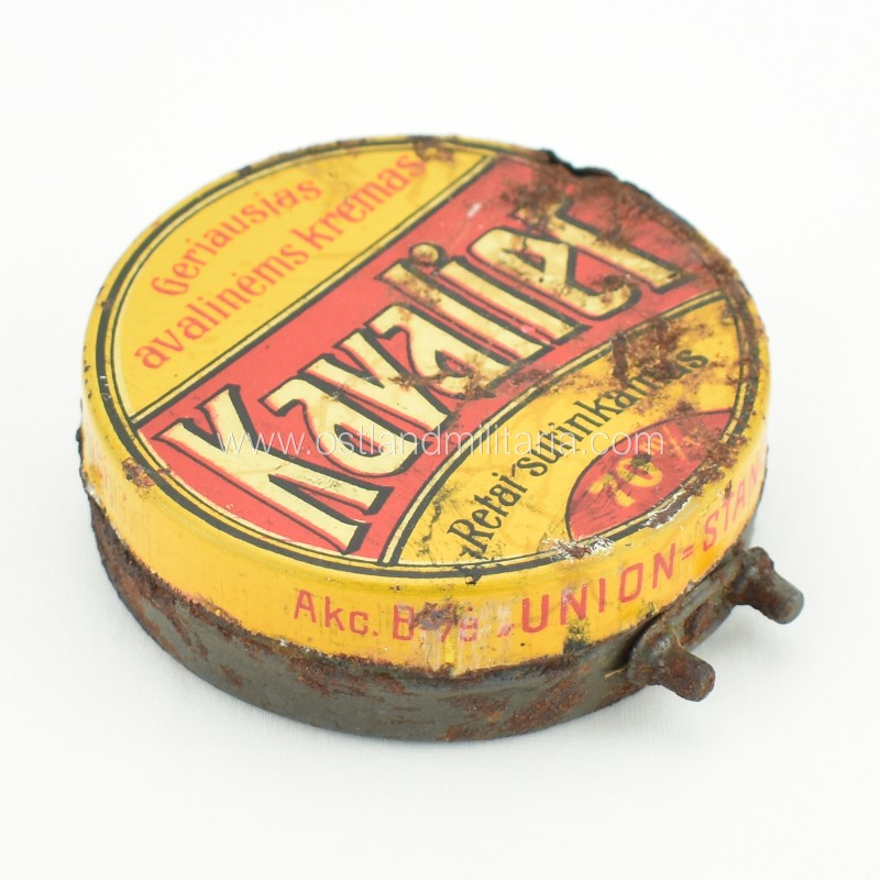 """Avalynės kremo """"Kavalier"""" dėžutė, tarpukaris Lietuva"""