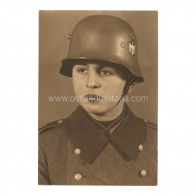Large size photo of a soldier with an M18 helmet
